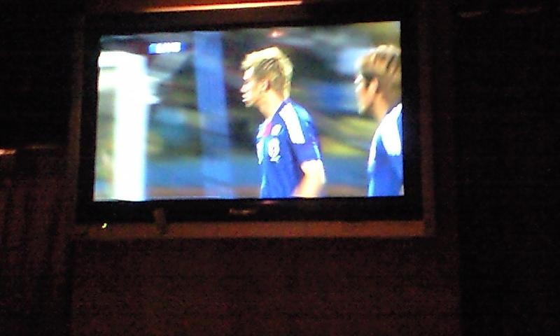 サッカー見てます(^-^)/